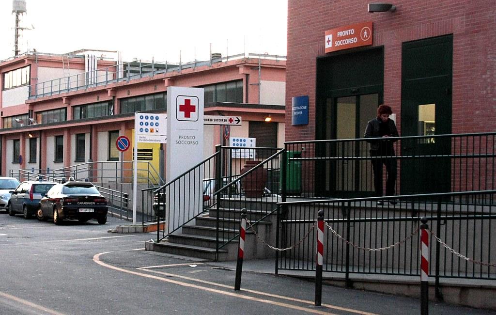 LIVORNO OSPEDALE PRONTO SOCCORSO CARABINIERI POLIZIA PIAZZA GRANDE MC DONALD - 22 APRILE 2009 FOTO BIZZI