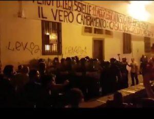 """Striscione Effetto Venezia, Silp-Cgil: """"Solidarietà a tutte le persone che hanno subito lesioni: colleghi, frequentatori del Teatrofficina Refugio e passanti"""""""